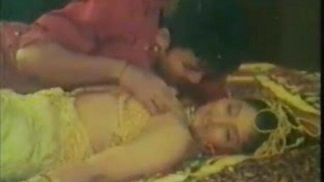 અંબર આઇવિ ભોગવે બીપી પીચર વીડીયો સેકસી મસાજ અને સુંદર છોકરી